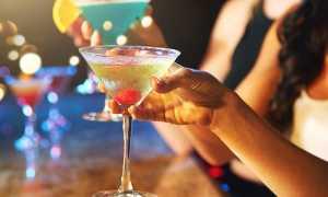 Все по правилам: чем закусывать и как правильно пить – Мартини